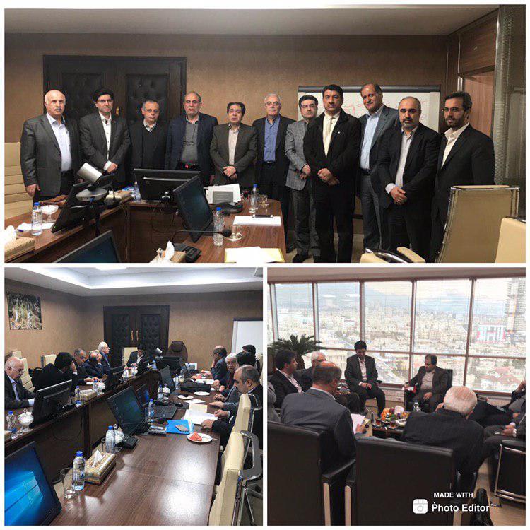 جلسه هیئت مدیره انجمن داروسازان ایران و داروسازان عضو شورایعالی نظام پزشکی با مهندس موهبتی ، مدیر عامل بیمه سلامت کشور در خصوص مشکلات داروخانه های کشور